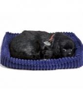 Ademende knuffel hond labrador zwart
