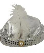 Arabische tulband in het zilver met witte pluim