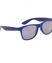 Blauwe kinder feest en zonnebril wayfarer