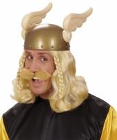 Blonde romeinse snorren