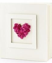 Bruiloft gastenboek met fuchsia hart 20 5 cm