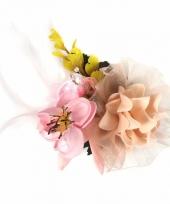 Bruiloft haarbloemen roze geel