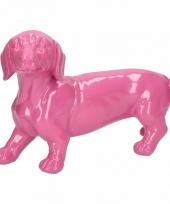Dierenbeeld teckel hond roze 29 cm