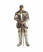 Foto bord van een ridder in harnas