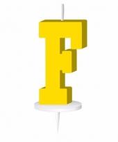 Gele letter kaars f
