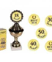 Gouden trofee met stickers