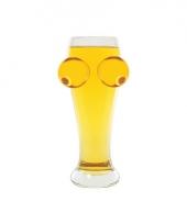 Groot bierglas met borsten