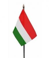 Hongaarse landenvlag op stokje