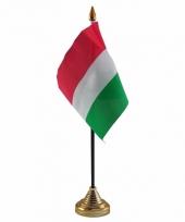 Hongarije tafelvlaggetje 10 x 15 cm met standaard