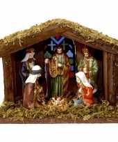 Kerststal met verlichting en figuren