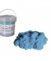 Kinetisch turquoise zand in emmer