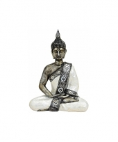 Kleine boeddha tuinbeelden zilver wit 27 cm