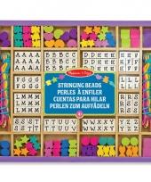Kralenset met letters en figuren