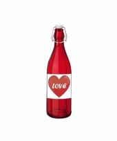 Love poison in glazen rode fles