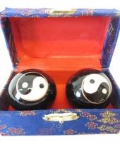 Meridiaanballen yin yang 3 5 cm in kistje