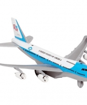 Model vliegtuigje met pull back motor 10039997