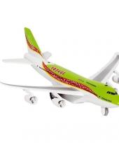 Model vliegtuigje met pull back motor