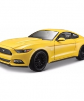 Modelauto ford mustang 2015 1 18