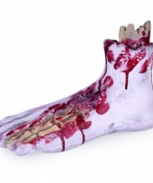 Nep voet met bloed en botten