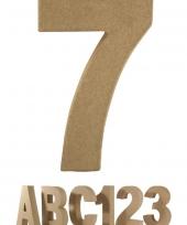 Papier mache cijfer 7 om te beschilderen