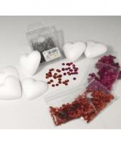 Piepschuimen hart met roze en rode pailletten