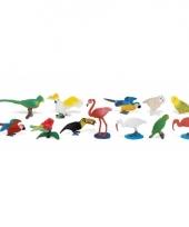 Plastic figuren van tropische vogels