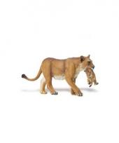 Plastic leeuwin met welp speelfiguur 16 cm
