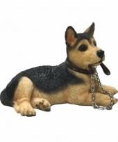 Polystone beeld duitse herdershond met riem