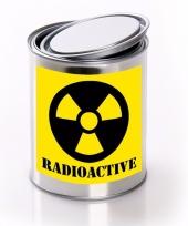 Radioactive radioactief etiket met met lege blik