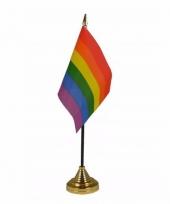 Regenboog tafelvlaggetje 10 x 15 cm met standaard