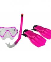 Roze kinder duikbril snorkel en vliezen