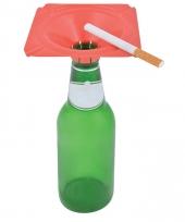 Studenten gadget asbak op fles rood