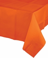 Tafelkleed in het oranje