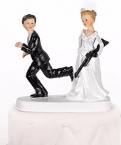 Trouwfiguurtje bruid met geweer 13 cm