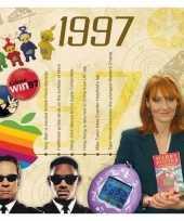 Twintigste verjaardag kaart met hits uit 1998