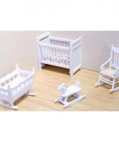 Victoriaans poppenhuis kinderkamer meubels