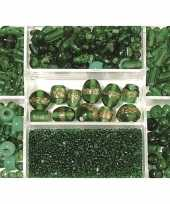 Voorraadbox met donkergroene glaskralen