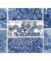Voorraadbox met lichtblauwe glaskralen