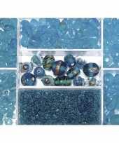 Voorraadbox met turquoise glaskralen