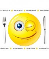 Wegwerp placemats smiley thema 10 stuks