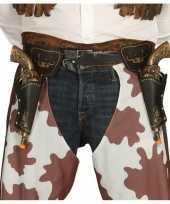 Wild west cowboy holsters met pistolen