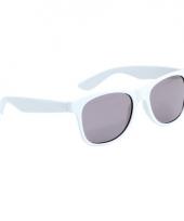 Witte kinder feest en zonnebril wayfarer