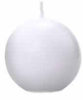 Woondecoratie witte bolkaars 8 cm
