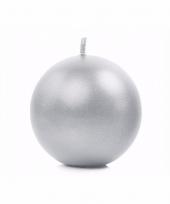 Woondecoratie zilver bolkaars 8 cm