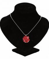 Zilveren ketting met rode steentjes drukknoop
