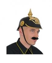 Zwart met gouden duitse helmen